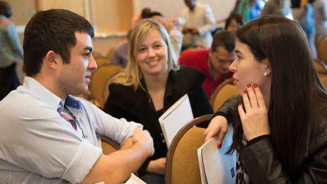 Students discussing after a seminar at SfN's Annual Meeting.