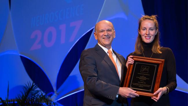 Katrin Franke receiving the Nemko Prize in Cellular or Molecular Neuroscience in 2017.