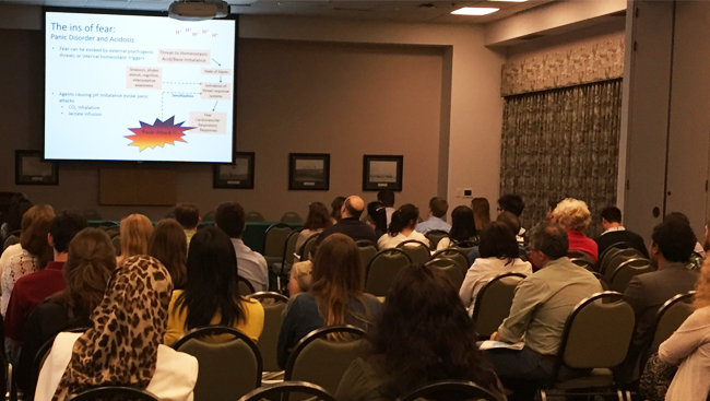 Members of the OMV-SfN Chapter attend a talk during Neuroscience Day.