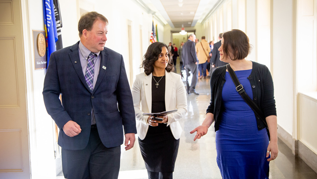 Early Career Policy Ambassadors talk with a member of Congress during SfN's Capitol Hill Day 2019.