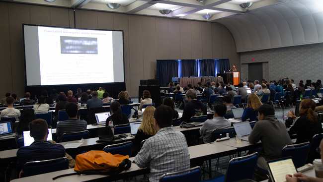 Image of people listening to a lecture at the Short Course 2 at Neuroscience 2018